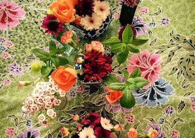 Flowers & table cloth